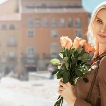 Центр красоты и здоровья «Жизнь замечательных людей» поздравляет вас с чудесным праздником красоты и женского обаяния